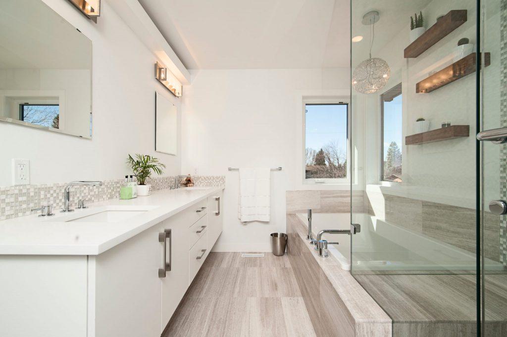 nyt badeværelse med gulvvarme